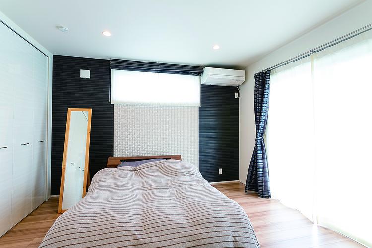 モノトーンコーデの寝室